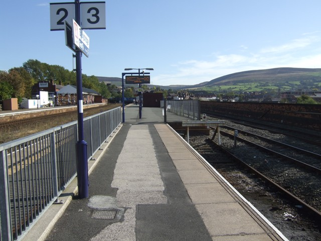 Stalybridge Station - Platforms 2/3