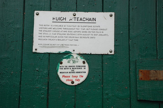 Sign on the door, Ruigh-aiteachain bothy