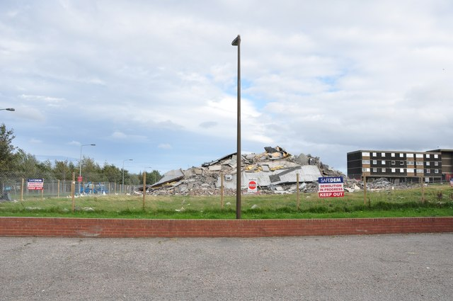 Sunday, Sighthill, Hermiston Court No More