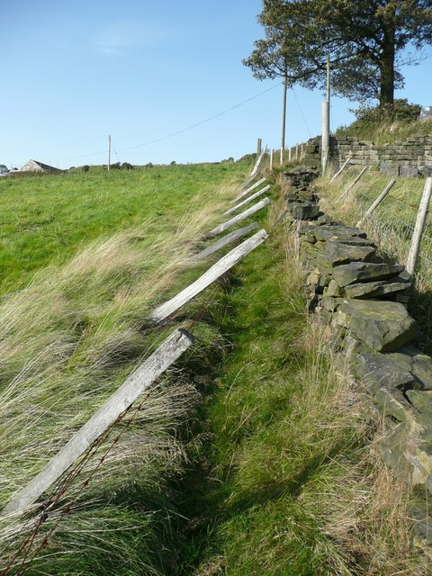 Fence leaning over public footpath, Mytholmroyd