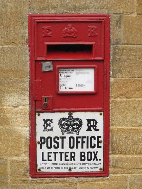 "Edward VIII ""Ludlow"" postbox, St. James's Street"