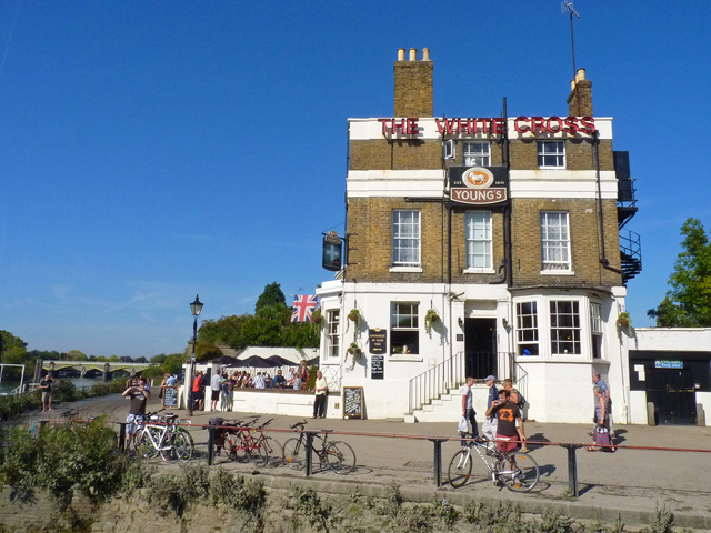 The White Cross Public House