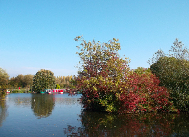Seasonal Colours at Widewater Marina