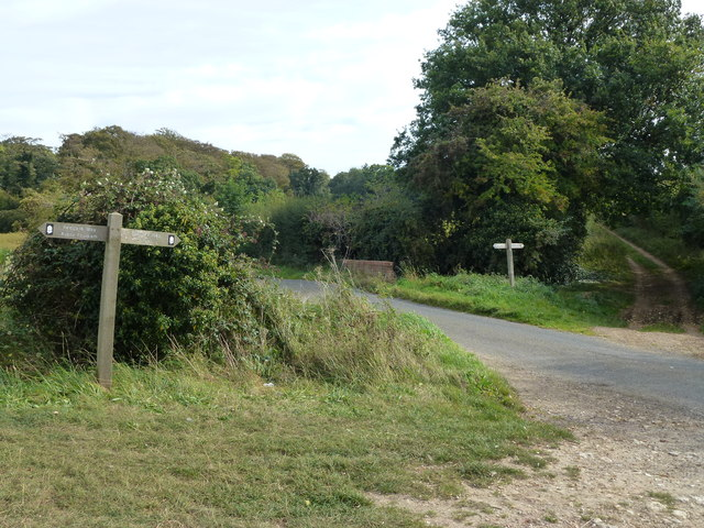 The Peddars' Way crosses Fring Road