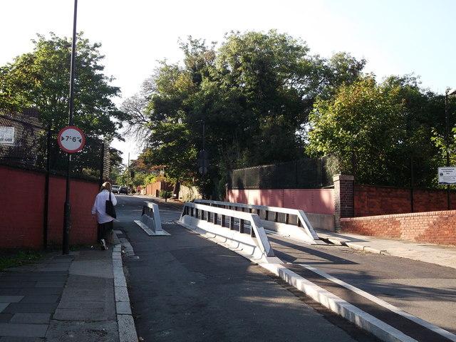 Lansdowne Hill road bridge