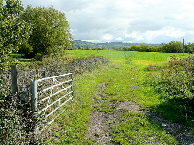 Footpath leading south-east