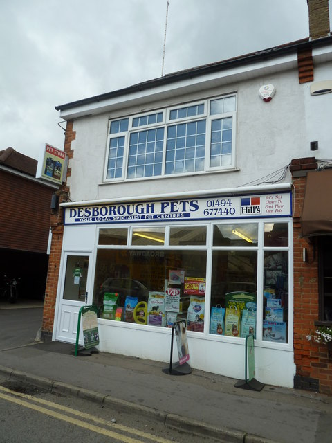 Desborough Pets, Warwick Road