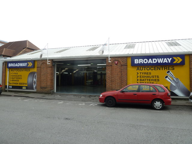 Broadway Auto Centre Warwick Road Basher Eyre
