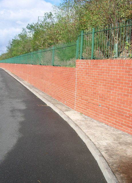 Embankment between Bridgeman Road and Radford Road