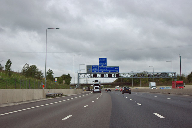 M25 - 1 mile sign for junction 27