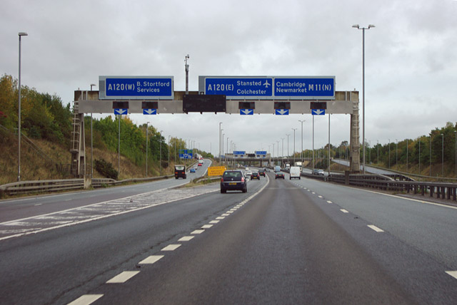 M11 Junction 8 169 Robin Webster Cc By Sa 2 0 Geograph