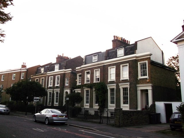 6 - 12 Stockwell Crescent