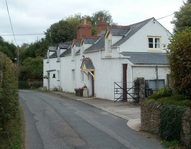 Lower Prill cottages, Ewyas Harold