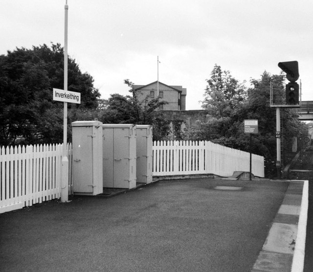 Platform End at Inverkeithing, 1988