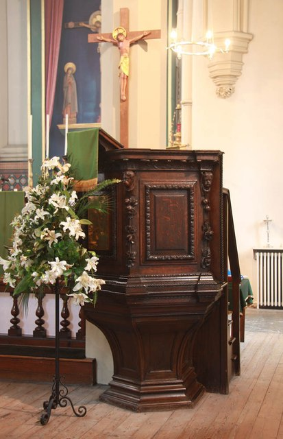 Holy Trinity, Shepherdess Walk, Hoxton - Pulpit