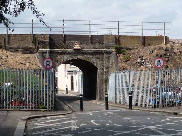 Railway Bridge over Essex Road Walthamstow (2009)