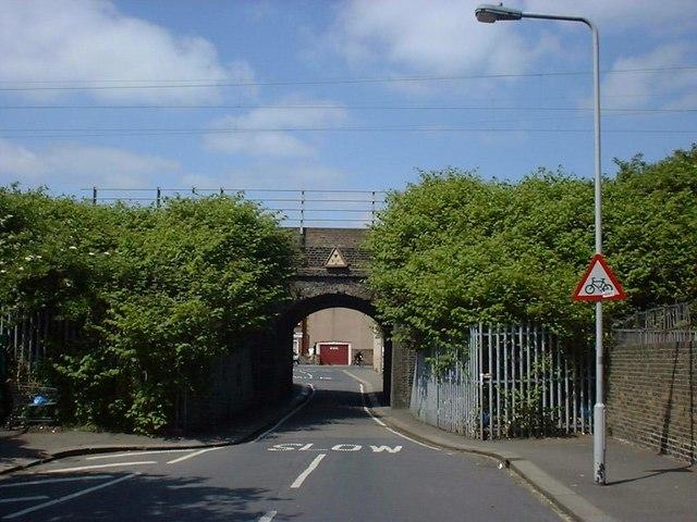 Railway Bridge over Essex Road Walthamstow (2005)