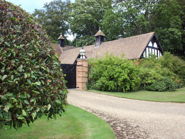 Ascott House grounds