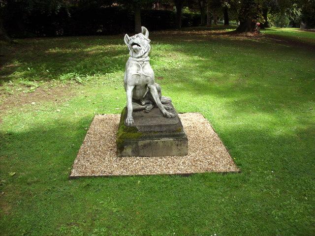 Ascott dog statue