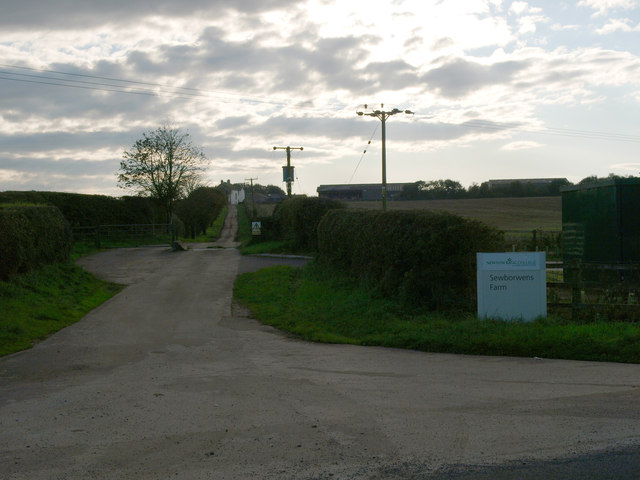 Entrance to Sewborwens Farm