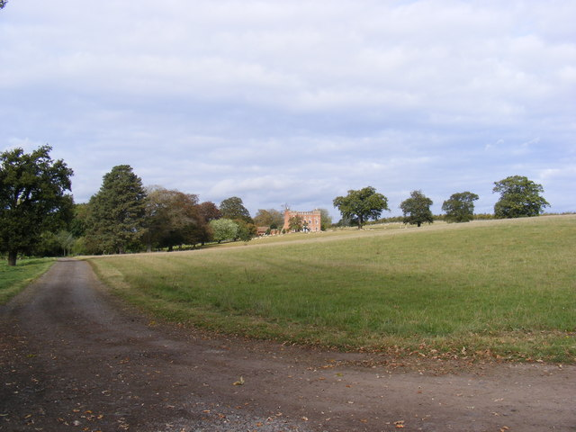 Huntingfield Hall & entrance road