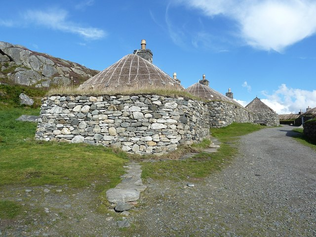 Gearrannan - Looking back up the Main Street