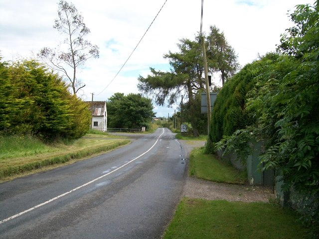 View south along the R164 at the hamlet of Ughtyneill