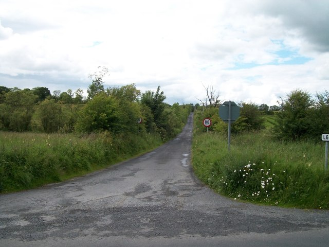 Minor road leading west from the R164 at Ughtyneill