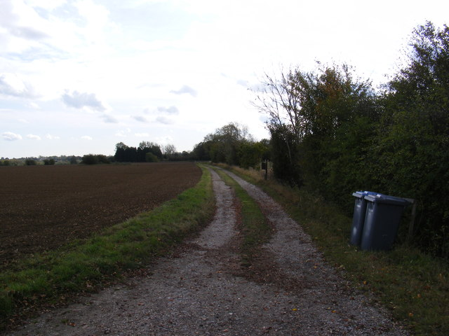 Footpath & Entrance to Turkey Hall