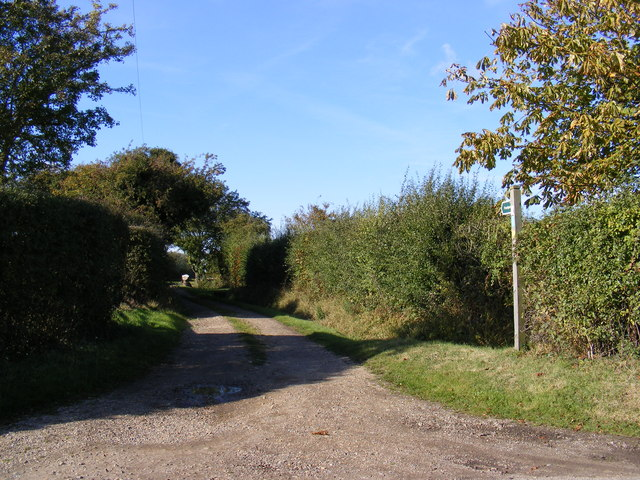 Footpath to Towranna Farm & Mary's Lane
