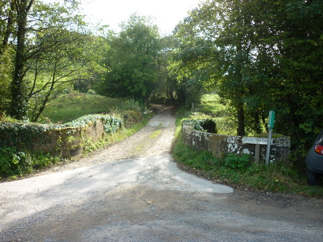 A track leading to Grange Head Farm