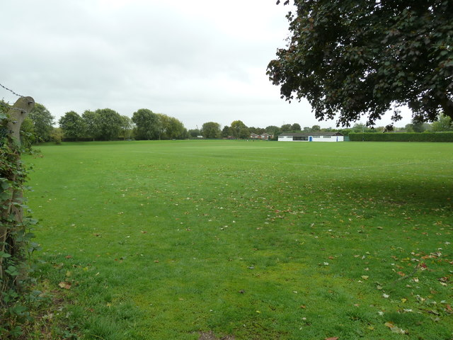 Looking across Mentmore Rec towards the pavilion