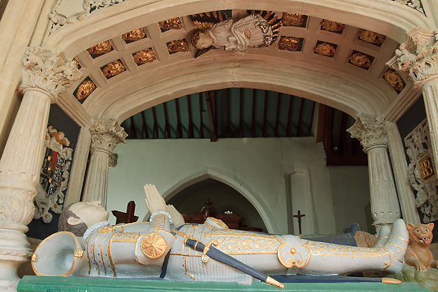Monument to Sir Richard Brydges - St James' church, Ludgershall (detail - 3)