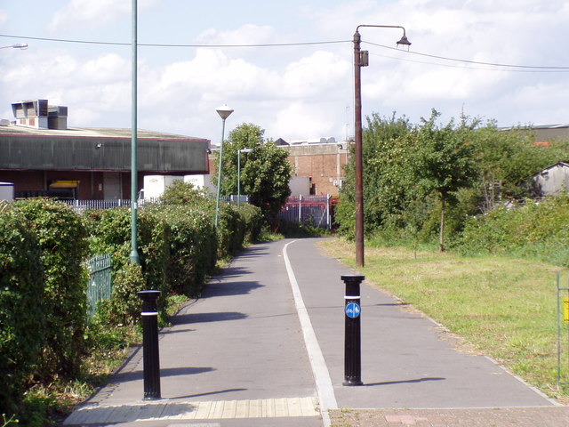 Foot/cycle path from Argall Way