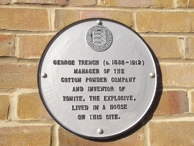 Plaque on No.42 Abbey Street, Faversham