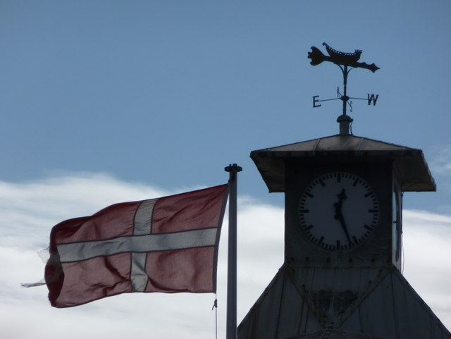 Bournemouth: Danish flag and pier clock