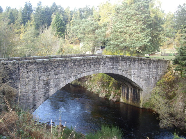 Stone arch of the old Bridge of Bogendreip