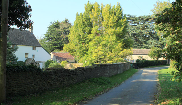 2011 : Entering Little Sodbury on Portway Lane