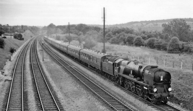 Bournemouth - Newcastle express near Goring & Streatley