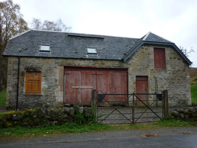 A barn near Edinampe Castle