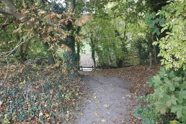 Footpath to the bridge