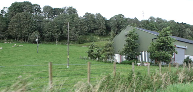 Pasture and barn at East Mains of Aberdalgie, Perthshire