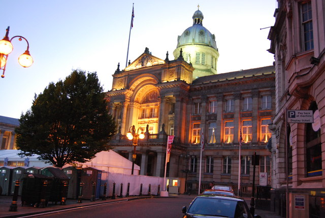 birmingham museum and art gallery  lit     u00a9 n chadwick    geograph britain and ireland