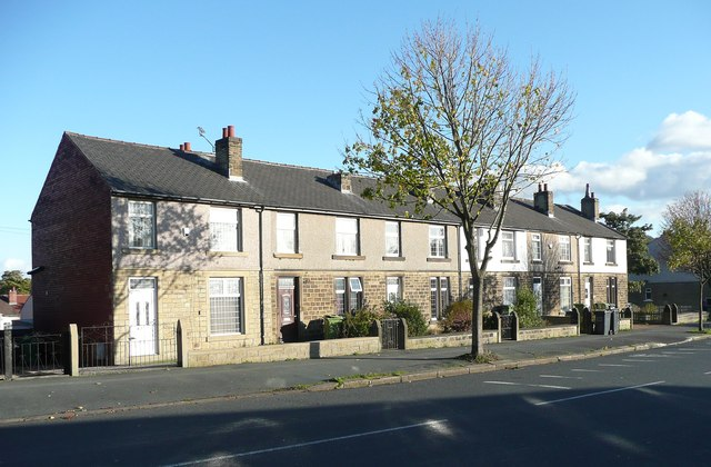 Terrace houses, Broad Lane, Moldgreen