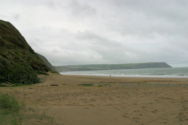 Penbryn Beach looking west
