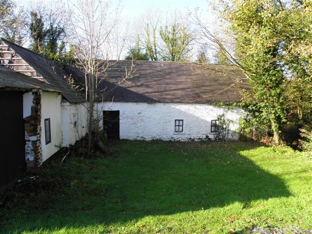 Old farm buildings, Dernahinch