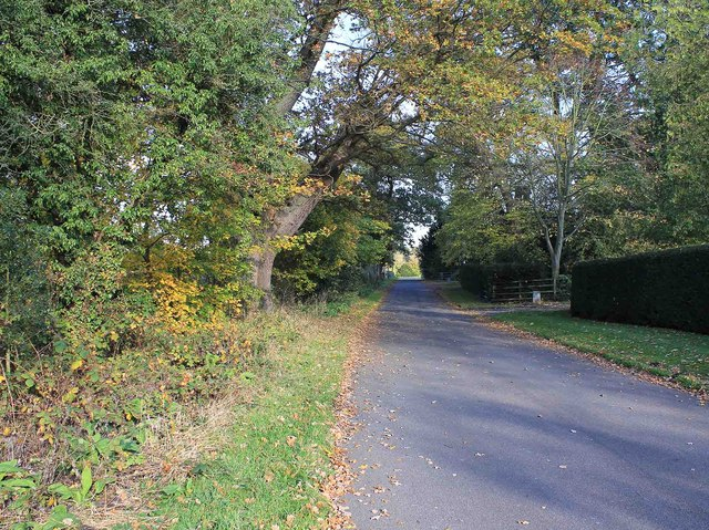Lane past Eathorpe Hall