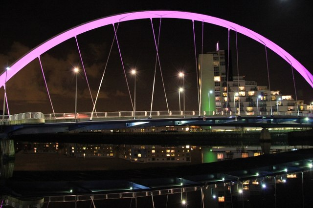 "Glasgow's ""Squinty Bridge"""