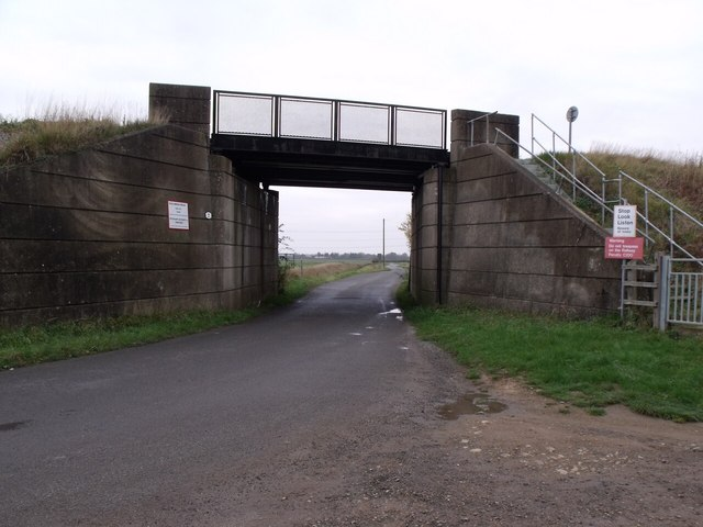 Railway bridge over Sykes Lane