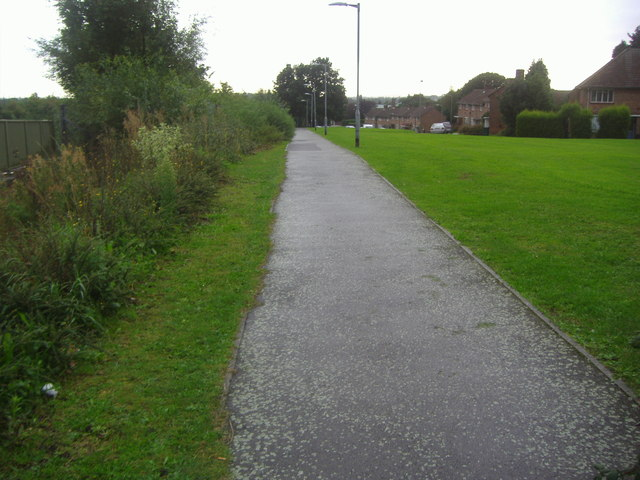 Public footpath along the North Circular Road, Finchley